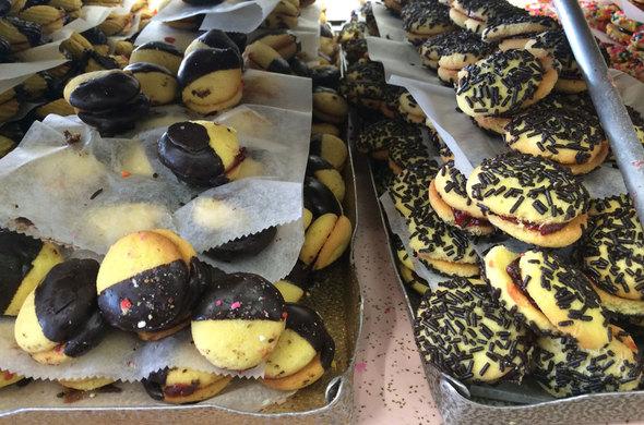Sandwich Cookies (assorted)