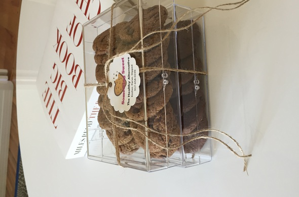 Cookies by Dozen in Acrylic Box Packaging