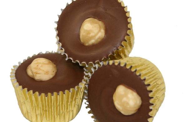 Hazelnut Cup Truffle