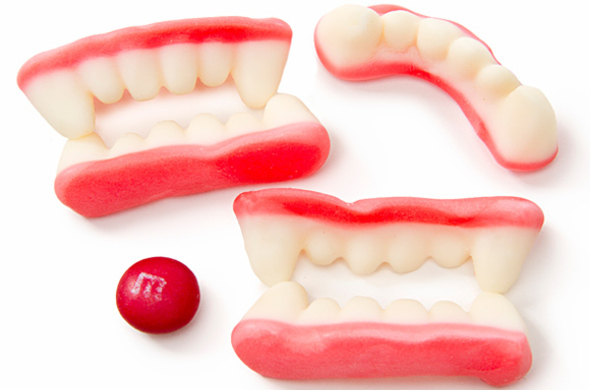 Gummy Vampire Teeth