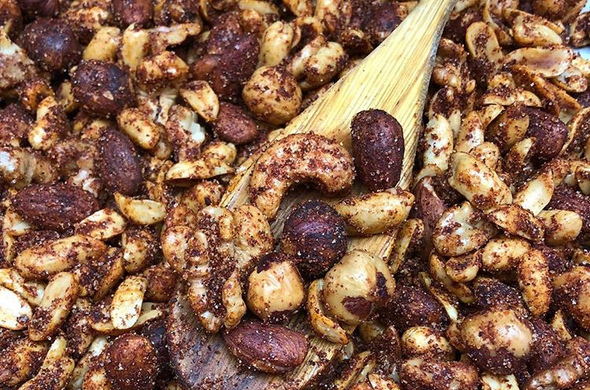 Finger Lickin BBQ Mixed Nuts
