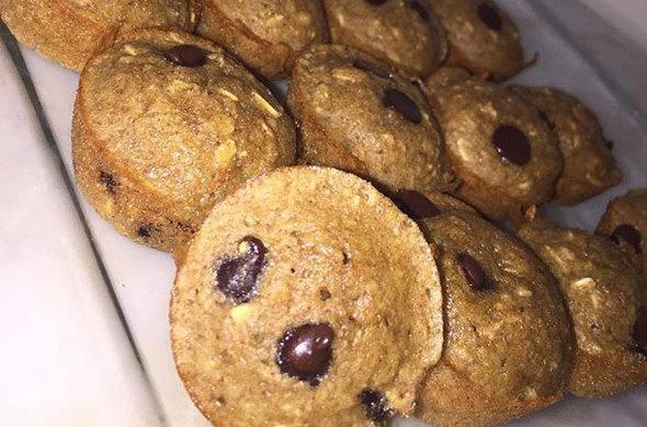 Mini Oatmeal Chip Muffins