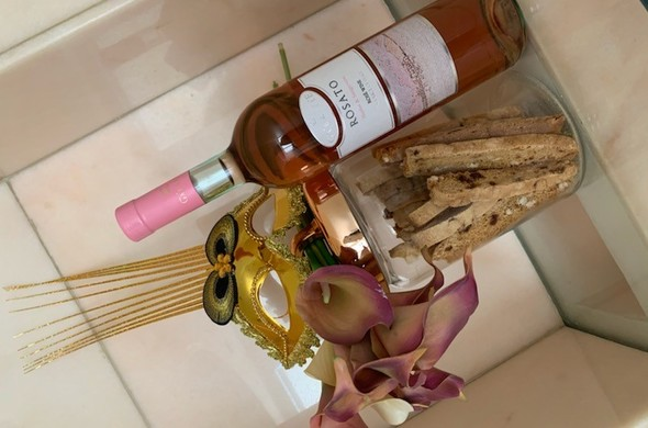 Mishloach Manot Glass & Rose Gold Jar filled with Biscotti, Wine & Mask