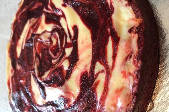 Brownie Bottom Red Velvet Cheese Cake