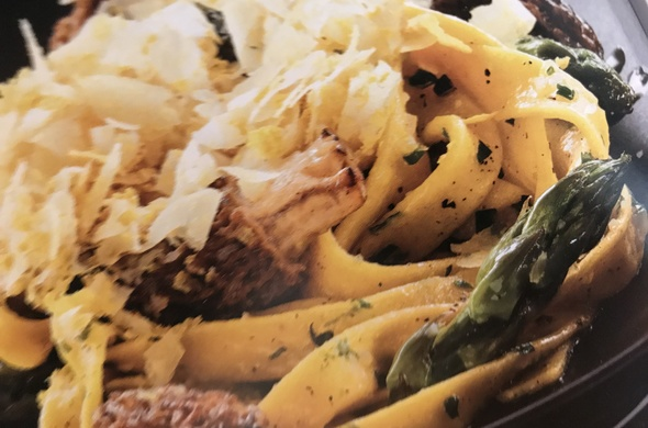 Fettuccine Pasta w/Chives, Asparagus, Morel Mushrooms