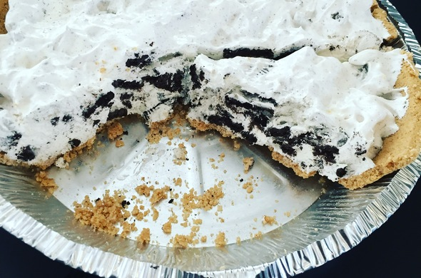 Frozen Oreo Cream Pie