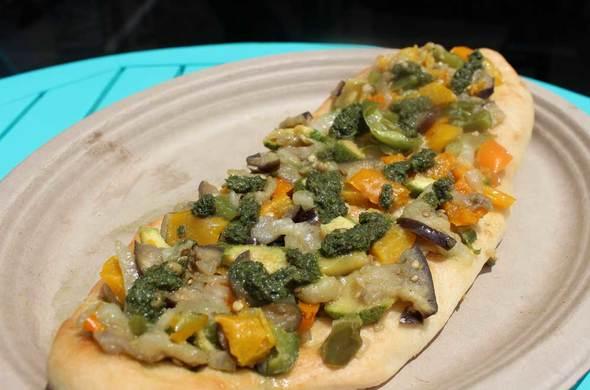 Veggie Lovers Flatbread / Meatza
